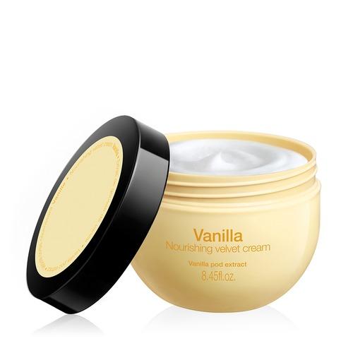 Closeup   sephora nourishing velvet cream in vanilla  1