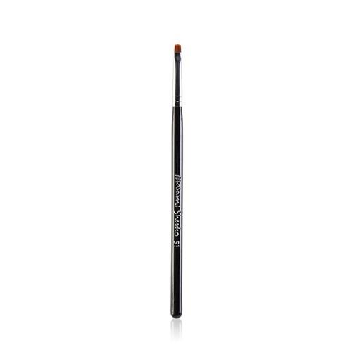 Closeup   9559 51 detailed eyeliner brush